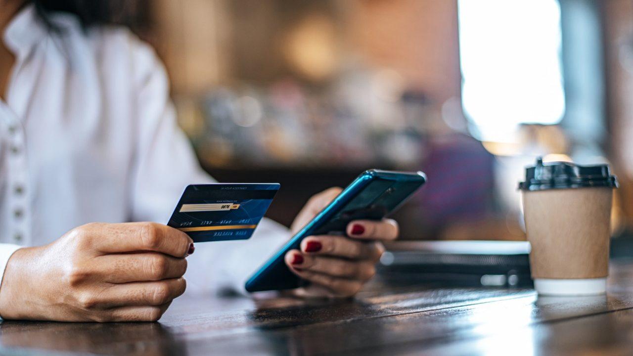 Pagos digitales roban mercado al efectivo en la pandemia: Clip