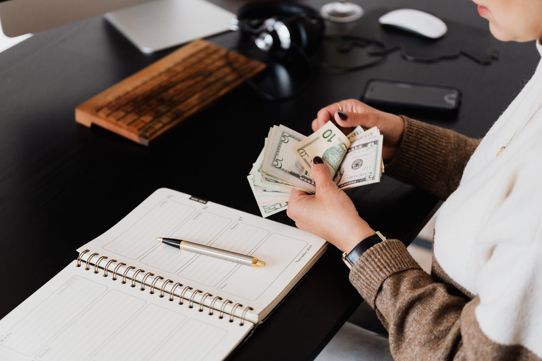 Ginebra aprobó salario mínimo de más de 4,000 dólares mensuales, el más alto del mundo