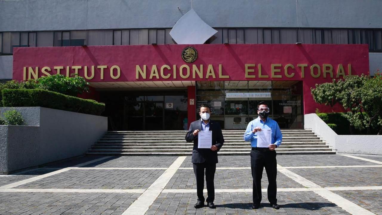PAN denuncia a Morena, David León y Pío López Obrador por entrega de dinero en video