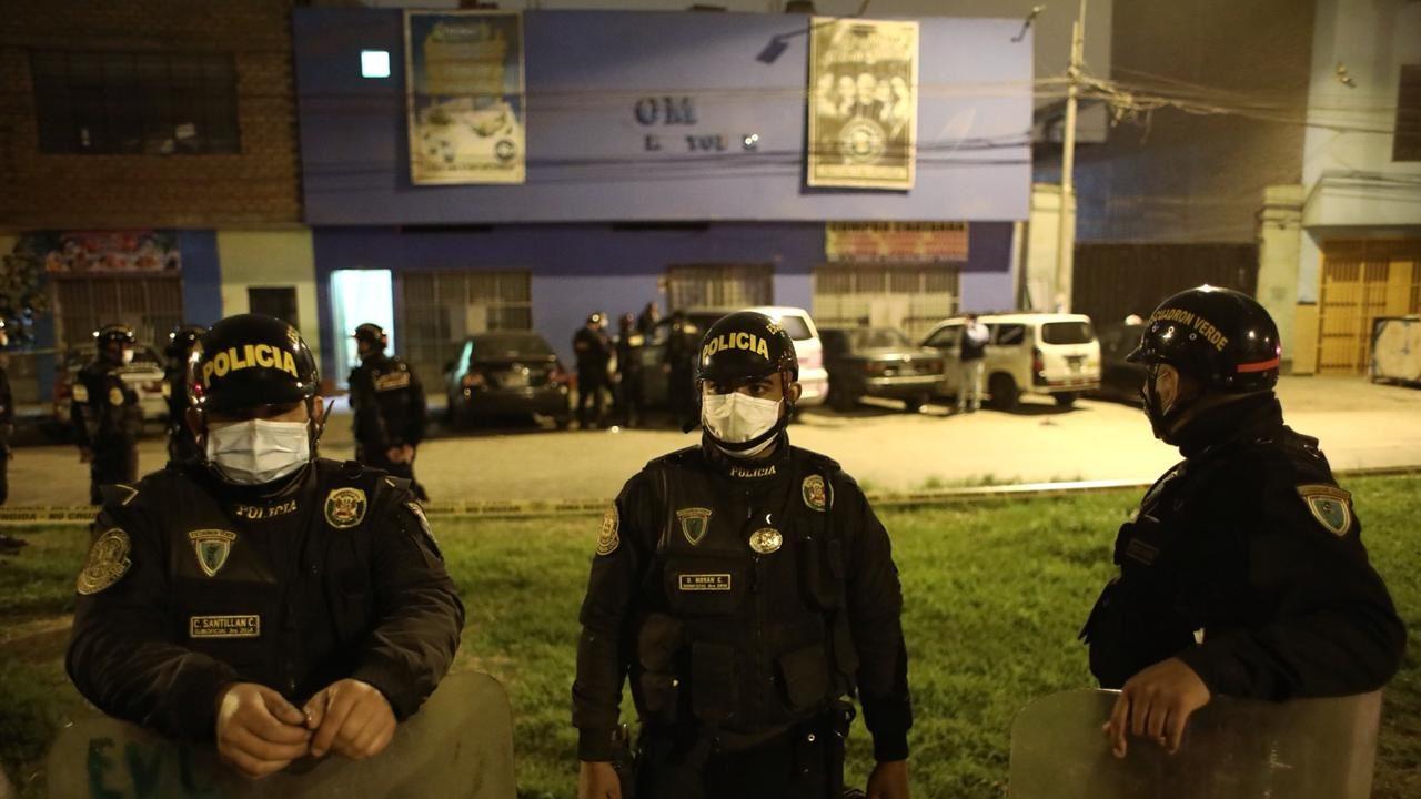 Mueren 13 en Perú en operativo contra fiesta; 15 detenidos dan positivo a Covid-19