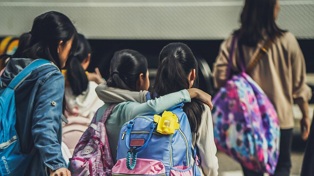 Campaña política por encima de los riesgos de vacunar a profesores en México