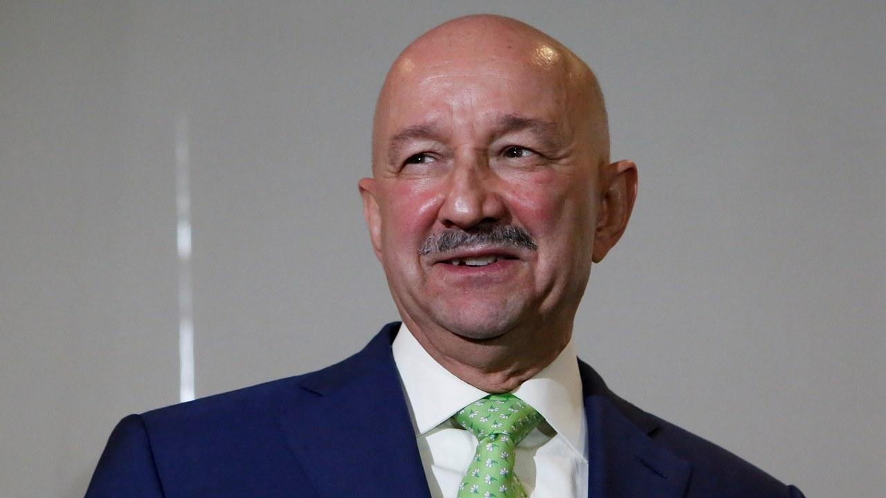 Salinas presionó por contratos de Pemex para su hijo, asegura Lozoya