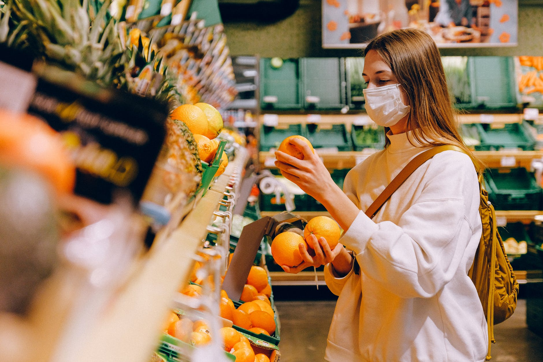"""Pese a e-commerce, 7 de cada 10 compras del """"súper"""" aún son en tiendas"""