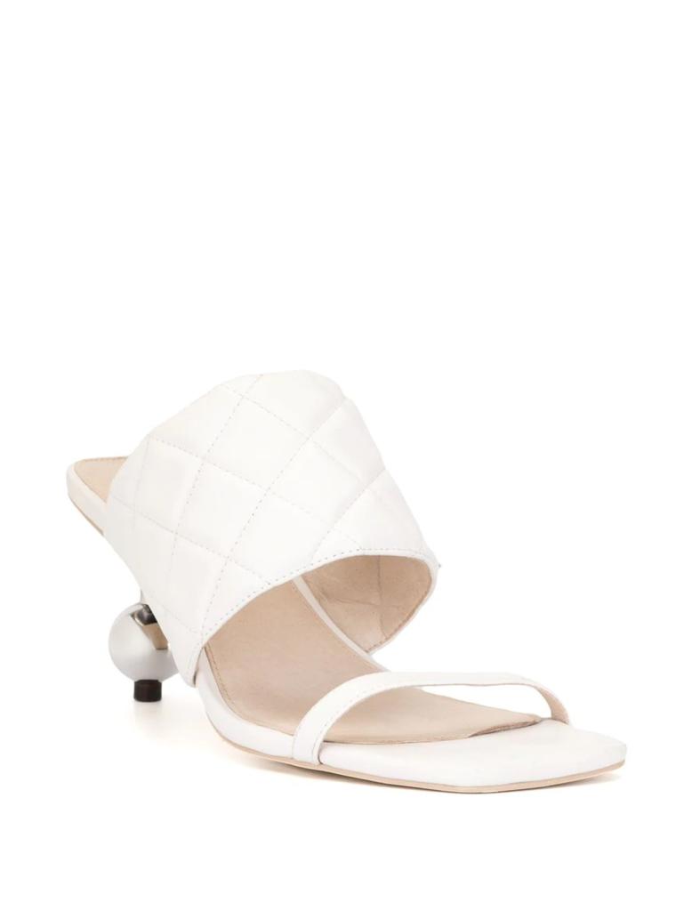 Outfit 15 septiembre zapatos blancos