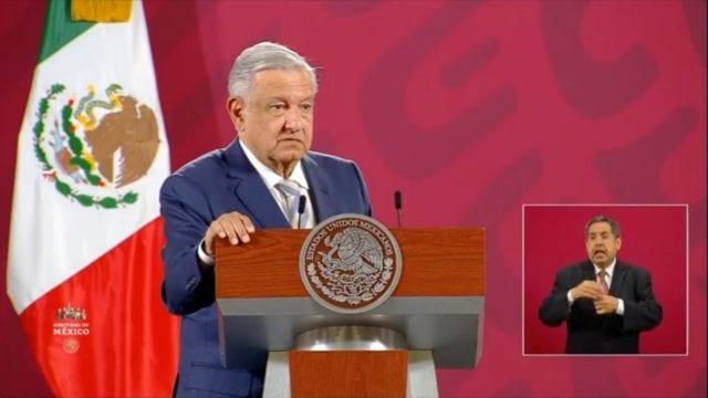 No se vayan a hoteles', pide AMLO a líderes de FRENAAA tras plantón •  Forbes México