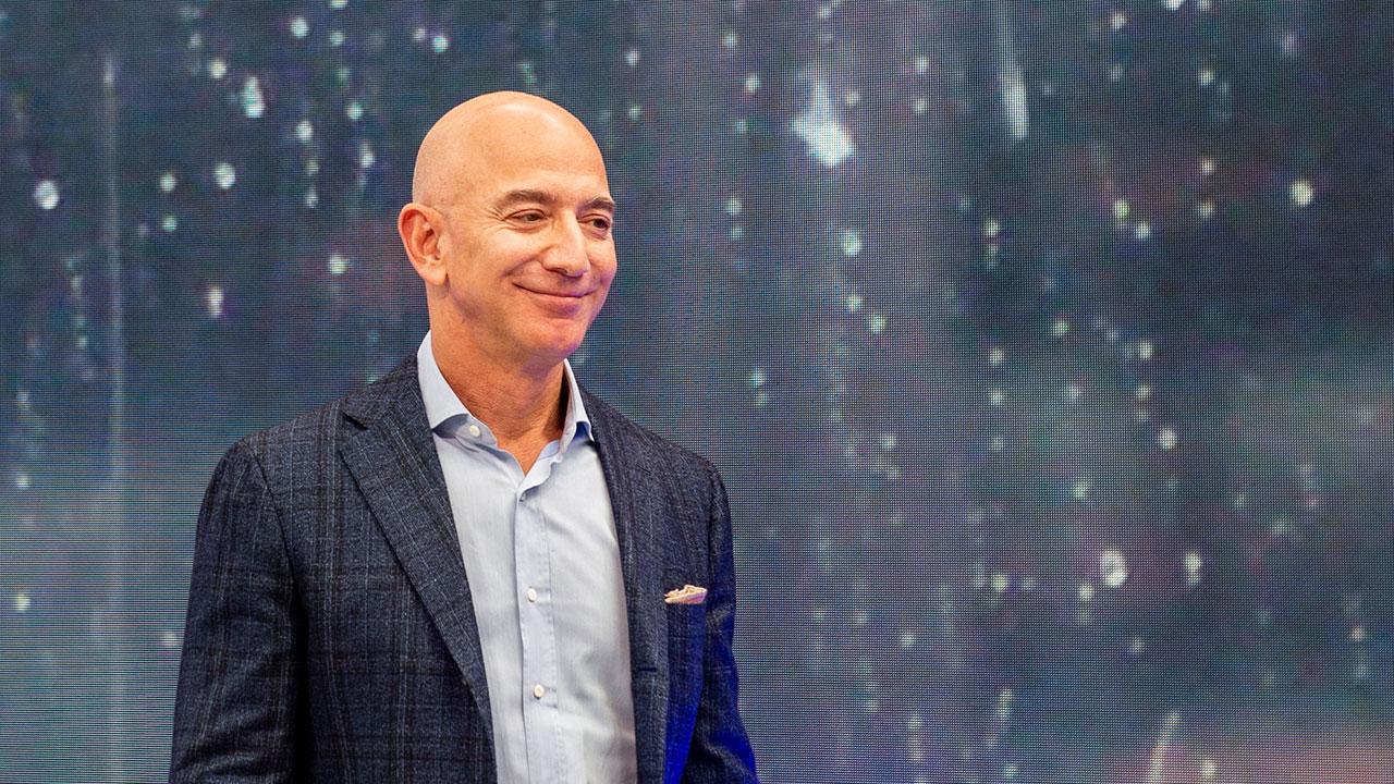 Jeff Bezos: tres años con la mayor fortuna en EU, un liderato que crece cada vez más