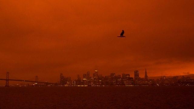 Incendios Wildfires Envelop San Francisco Bay Area In Dark Orange Haze