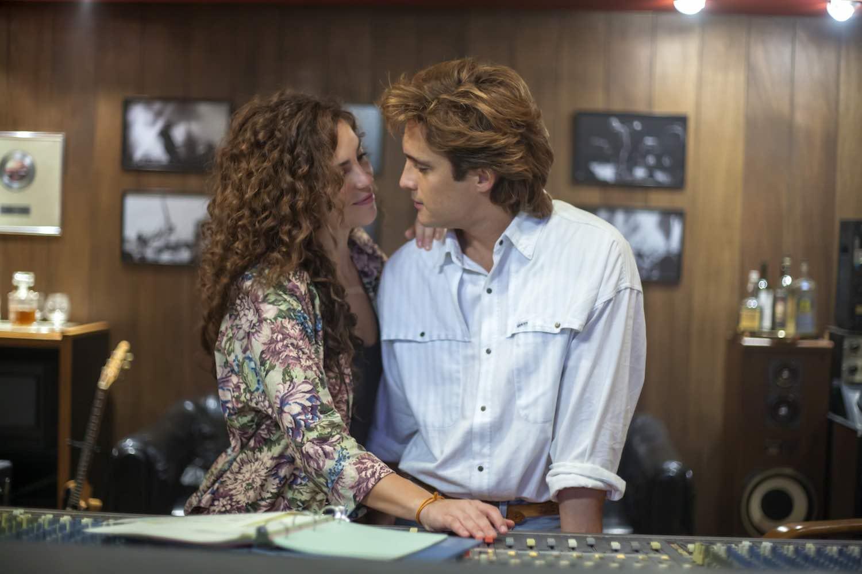 Netflix presenta el elenco de 'Luis Miguel, la serie', segunda temporada