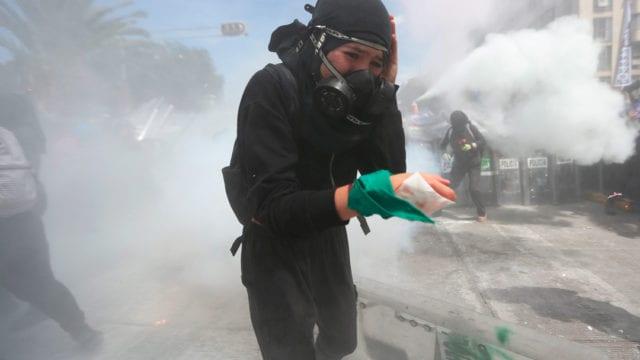 cerco policial en marcha por aborto legal y seguro, ciudad de Mexico, cerco policiaco, manifestación, enfrentamientos. feministas