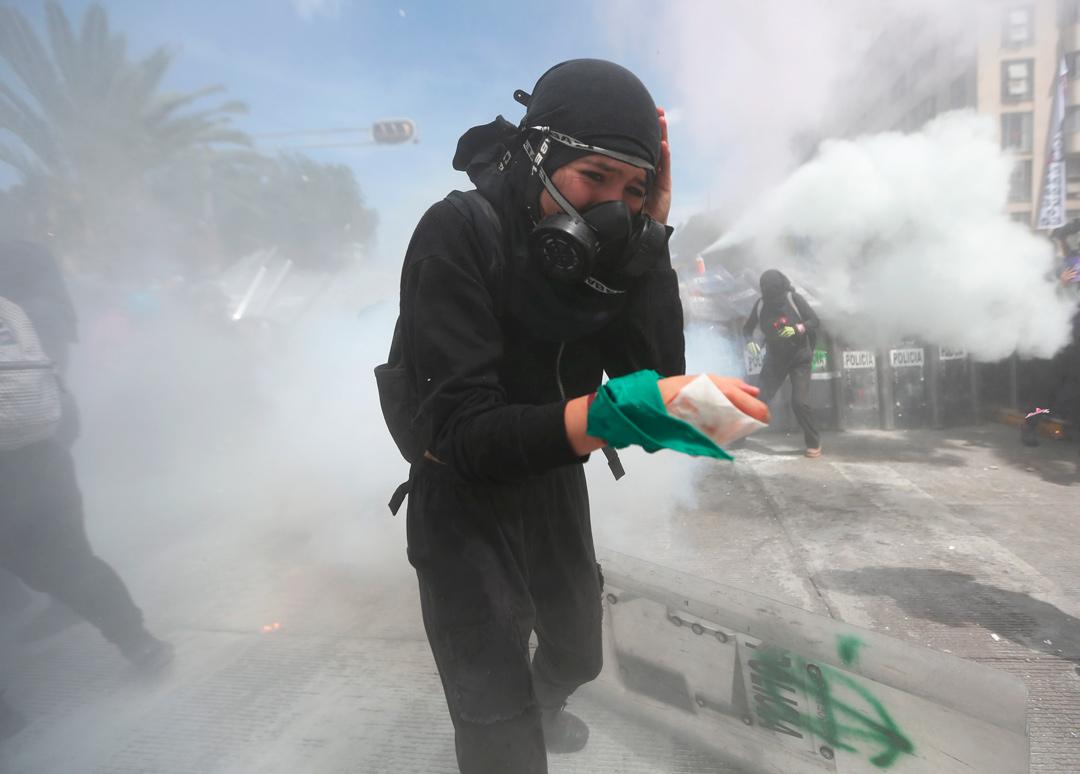 El cerco policial a manifestantes feministas violó sus derechos humanos: AI
