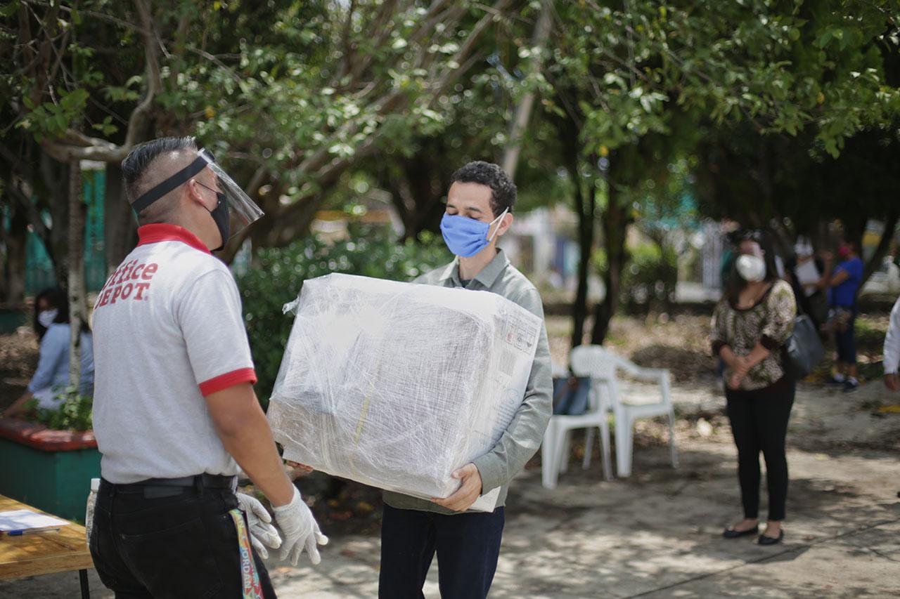 Fundación Gigante y Office Depot donan aulas virtuales a primarias públicas en México