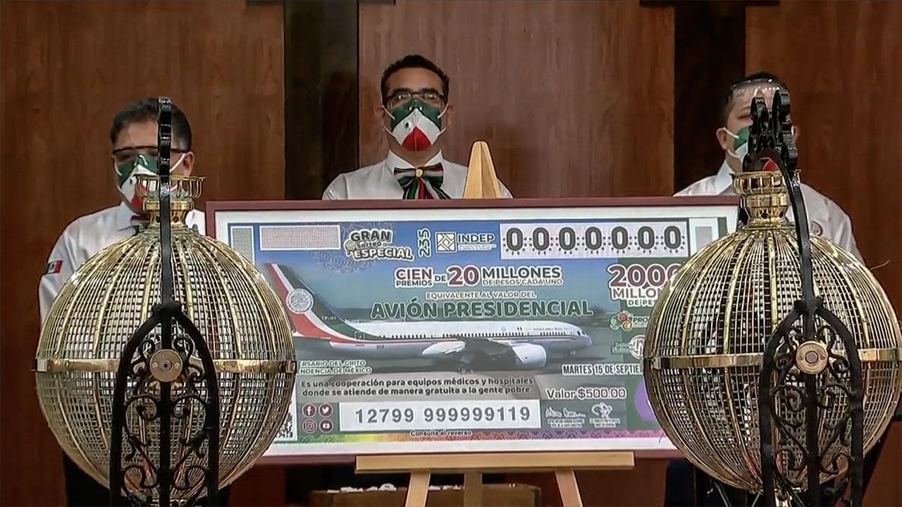 Gobierno vende 1 millón de 'cachitos' menos en la rifa del avión que lo dicho en septiembre