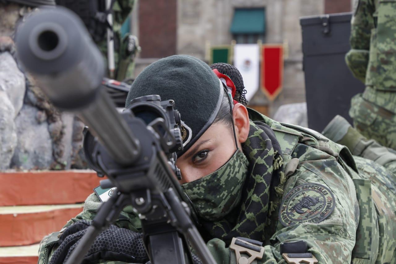 Destaca presencia de mujeres en desfile militar 2020