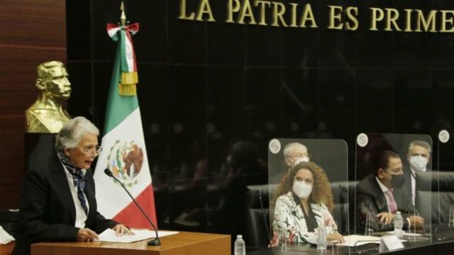 Durante su comparecencia en el Senado, la titular de Segob, Olga Sánchez Cordero, reconoció su trabajo en derechos humanos.