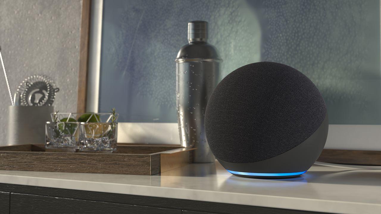 Amazon renueva su altavoz inteligente Echo con diseño esférico