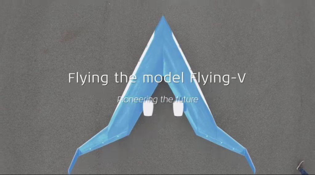 avión en forma de v azul KLM