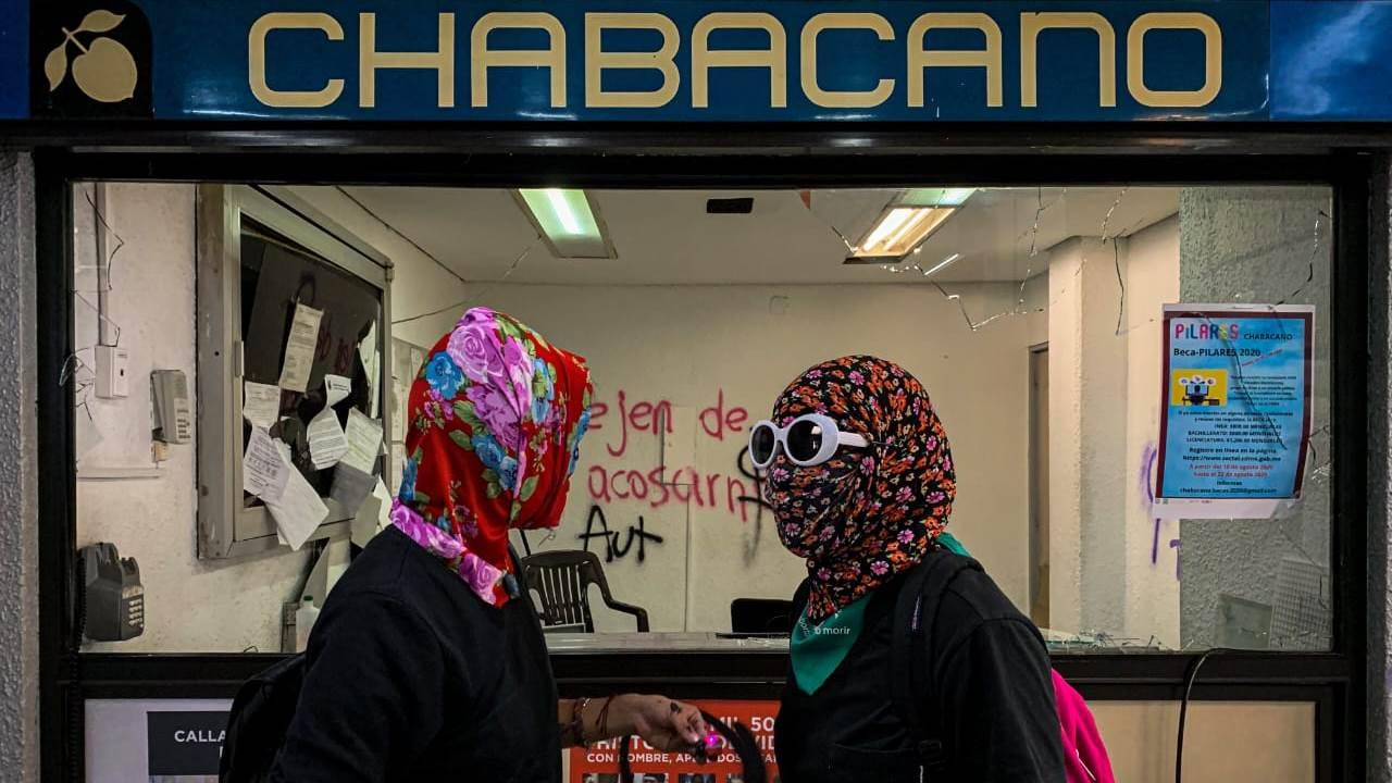 Fotogalería: La protesta feminista en el metro Chabacano