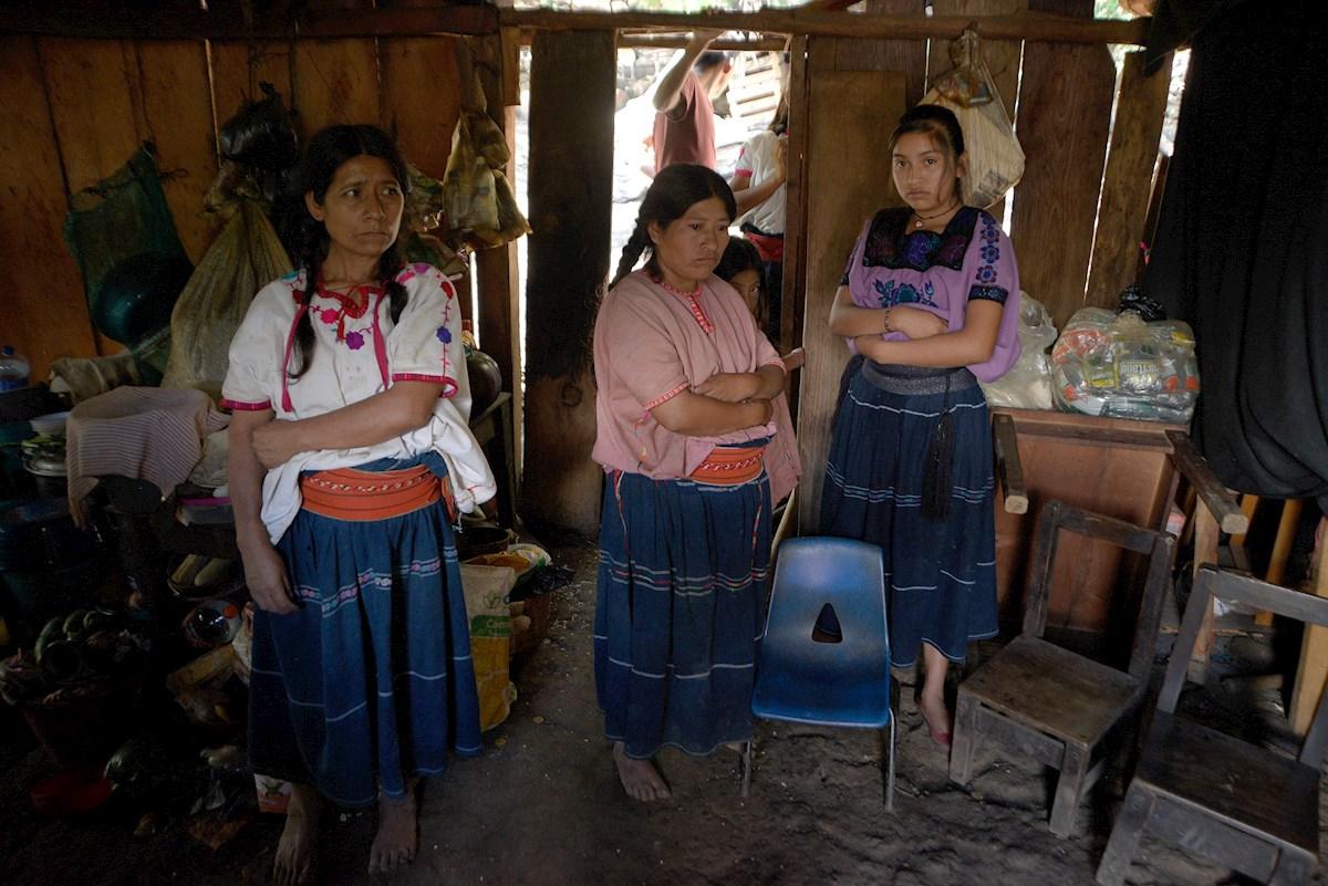 Conflicto armado y Covid-19 arrebatan educación a los niños indígenas