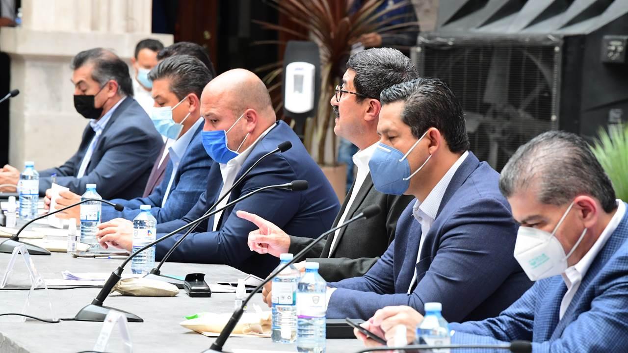 CCE y gobernadores del PAN se apuntan para comprar vacunas