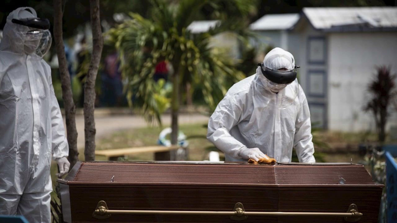 Muertes por Covid-19 superan decesos totales por cáncer de 2019 en México
