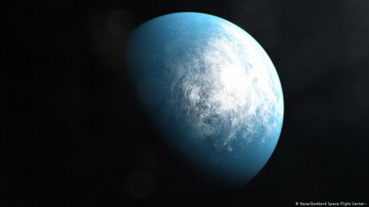 Detectan el primer exoplaneta orbitando una estrella extinta