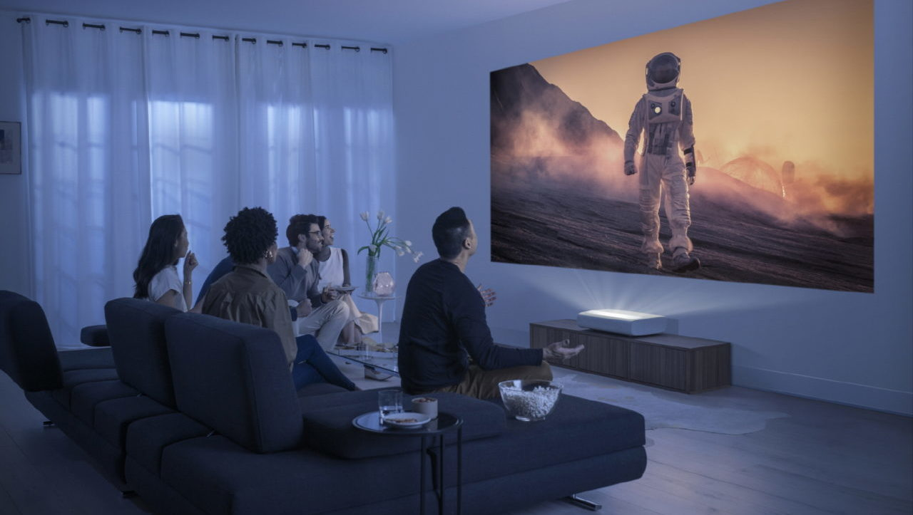Estos dos proyectores revolucionarán la forma de ver cine en casa