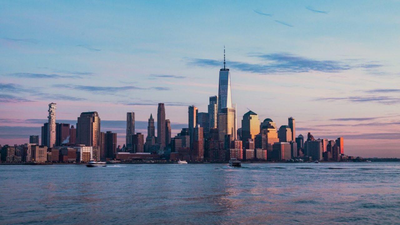 Por Covid-19, rentas en Manhattan bajan a precios no vistos en casi una década