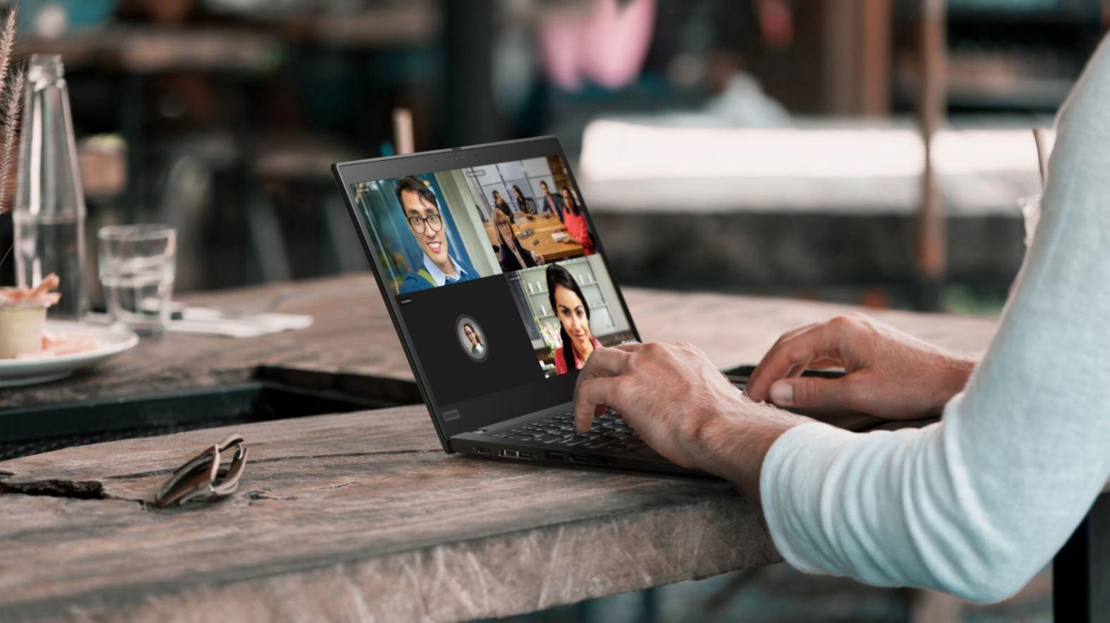 Lenovo lanza una solución de monitoreo inteligente para las empresas de AL