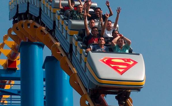 Six Flags reabre sus instalaciones con capacidad al 30%