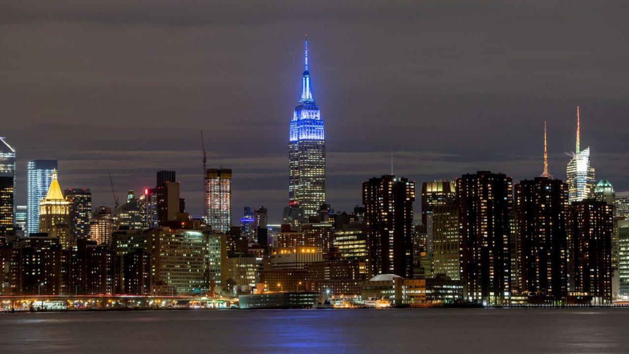 El Empire State se ilumina de azul en honor a John Lennon