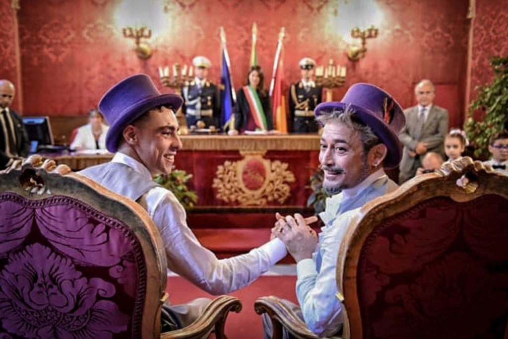 Bodas gay The first gay civil union celebration in Campidoglio in Rome