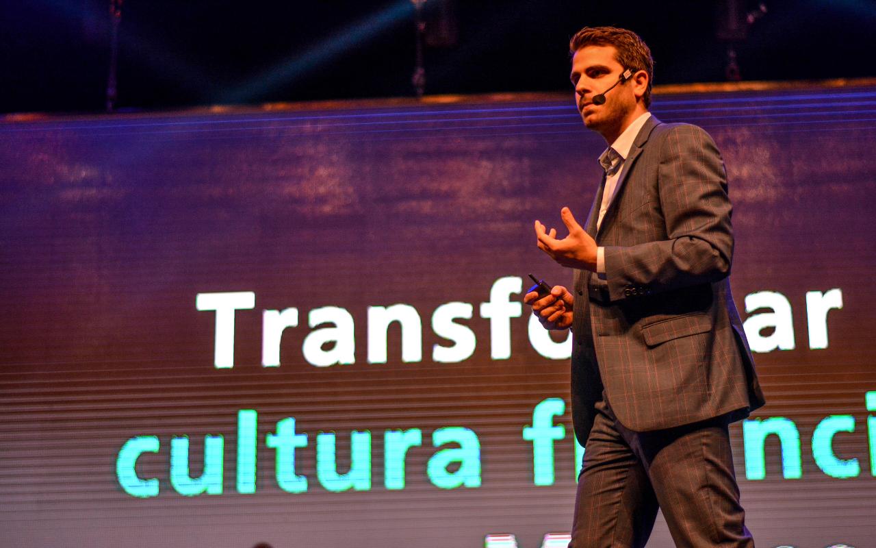 Moris Dieck impulsa educación financiera durante la pandemia