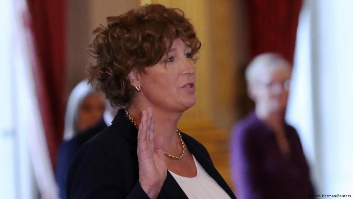 Petra de Sutter, la primera mujer transgénero nombrada ministro