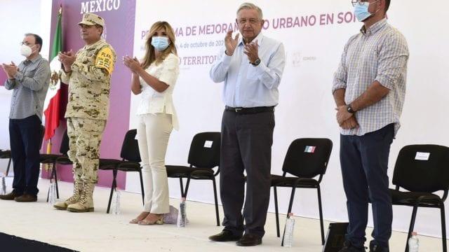 amlo_cubrebocas_López_Gatell
