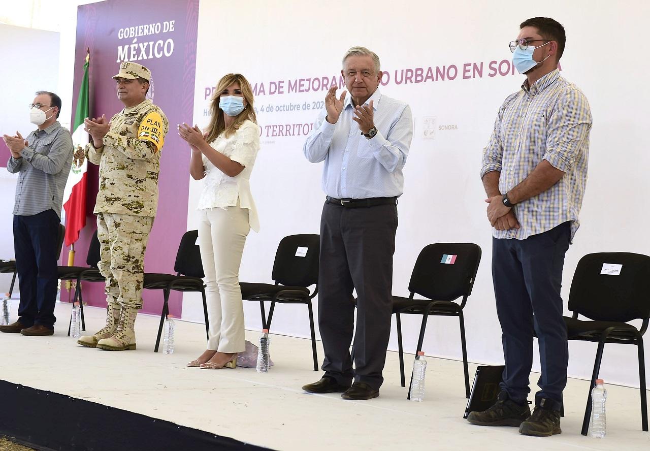No se sabe 'a ciencia cierta' si sirve el cubrebocas: López Obrador