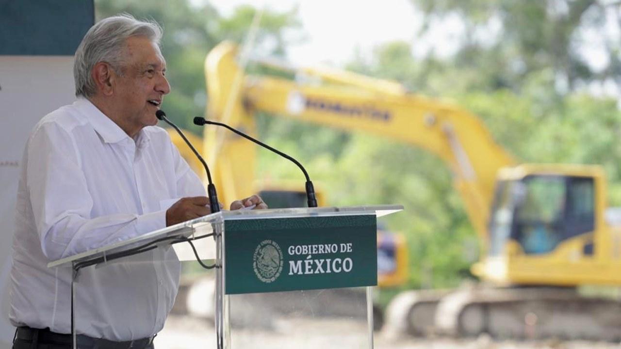 AMLO promete proteger 1,773 sitios arqueológicos de Tren Maya