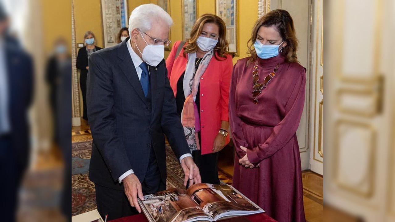 Beatriz Gutiérrez entrega carta de AMLO a presidente de Italia
