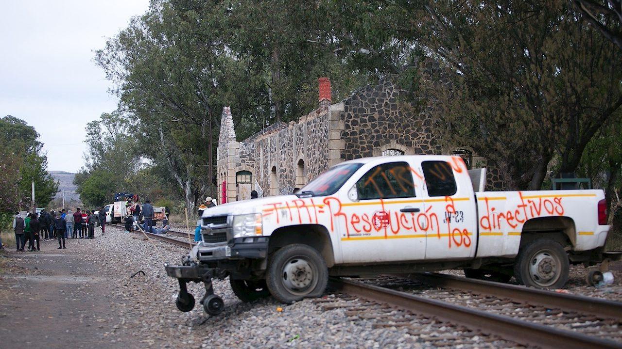 PRI propone prisión preventiva por tomar casetas, caminos, vías del tren…