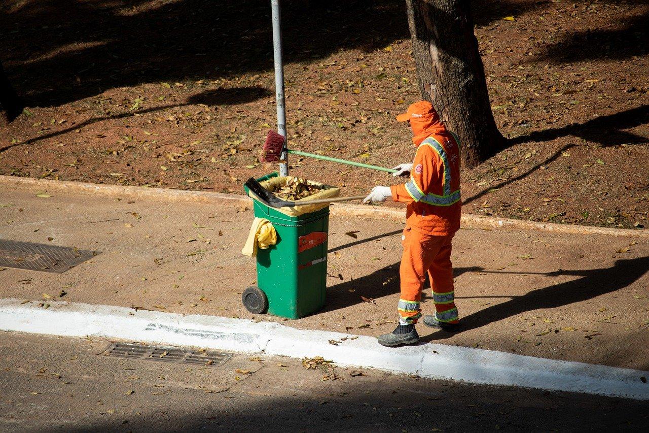 Revisa gremio entrega de equipos de protección contra Covid-19 para trabajadores de limpieza