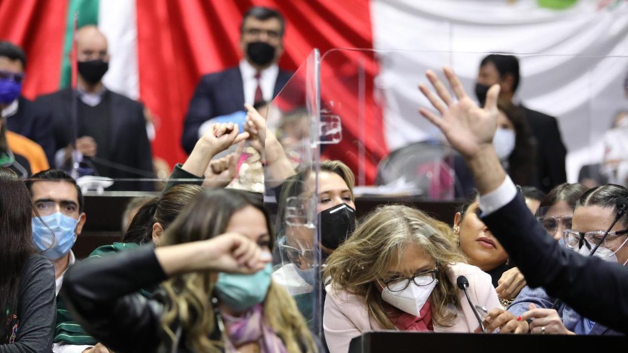 Con aforo mínimo, Diputados aprueban desaparición de Fondo de Salud