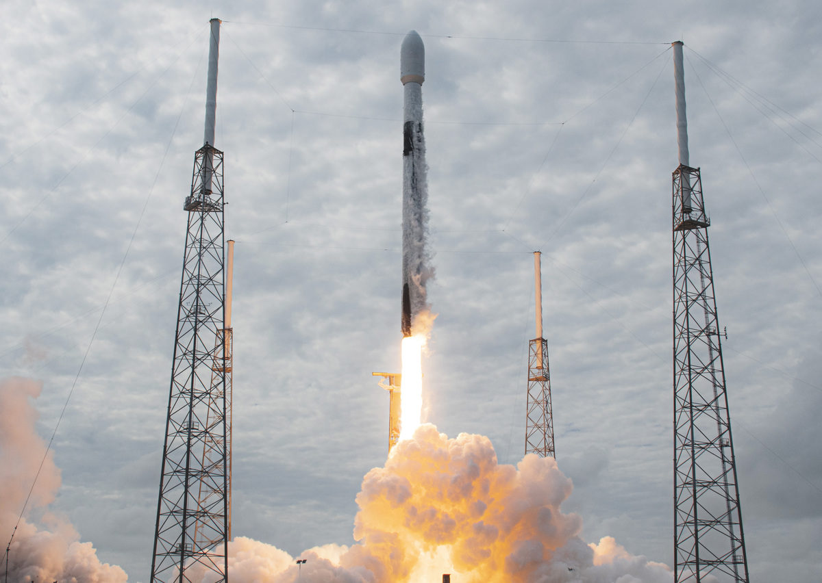 Primera misión tripulada de SpaceX a la EEI ya tiene fecha