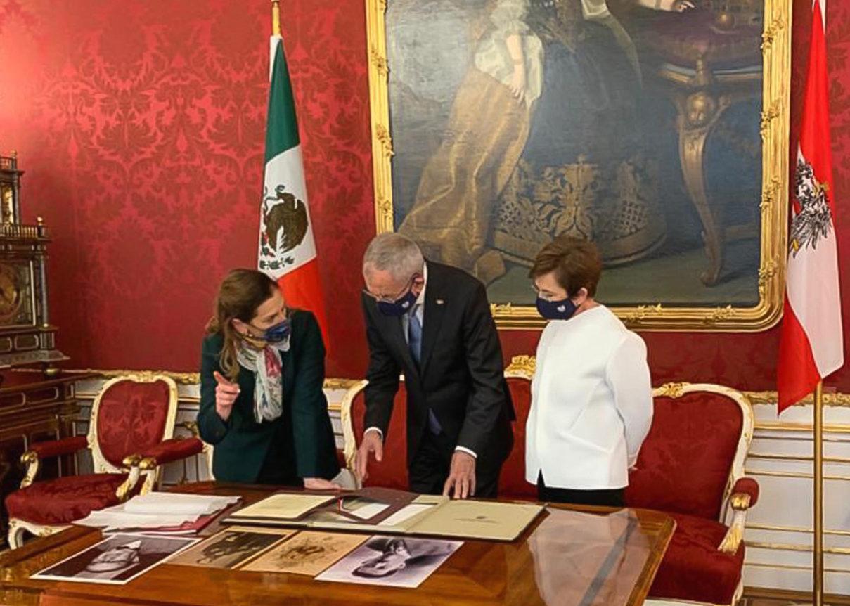 López Obrador busca que Austria preste a México el Penacho de Moctezuma