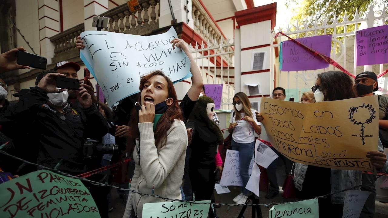 Disputa por Morena escala entre denuncias sexuales contra Muñoz Ledo