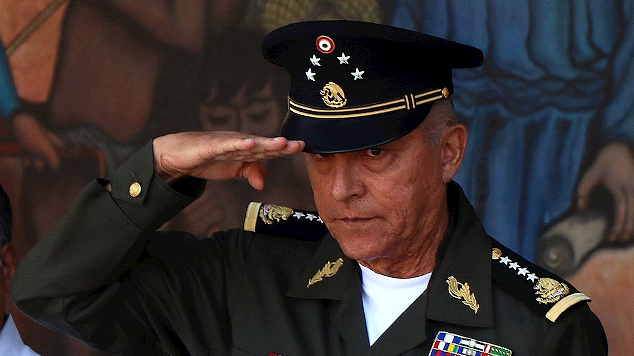 AMLO no descarta investigar a exsecretario Cienfuegos pero lamenta injerencia de la DEA