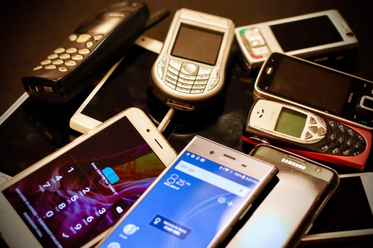 Si tienes celular, estos datos son los que deberás dar al padrón