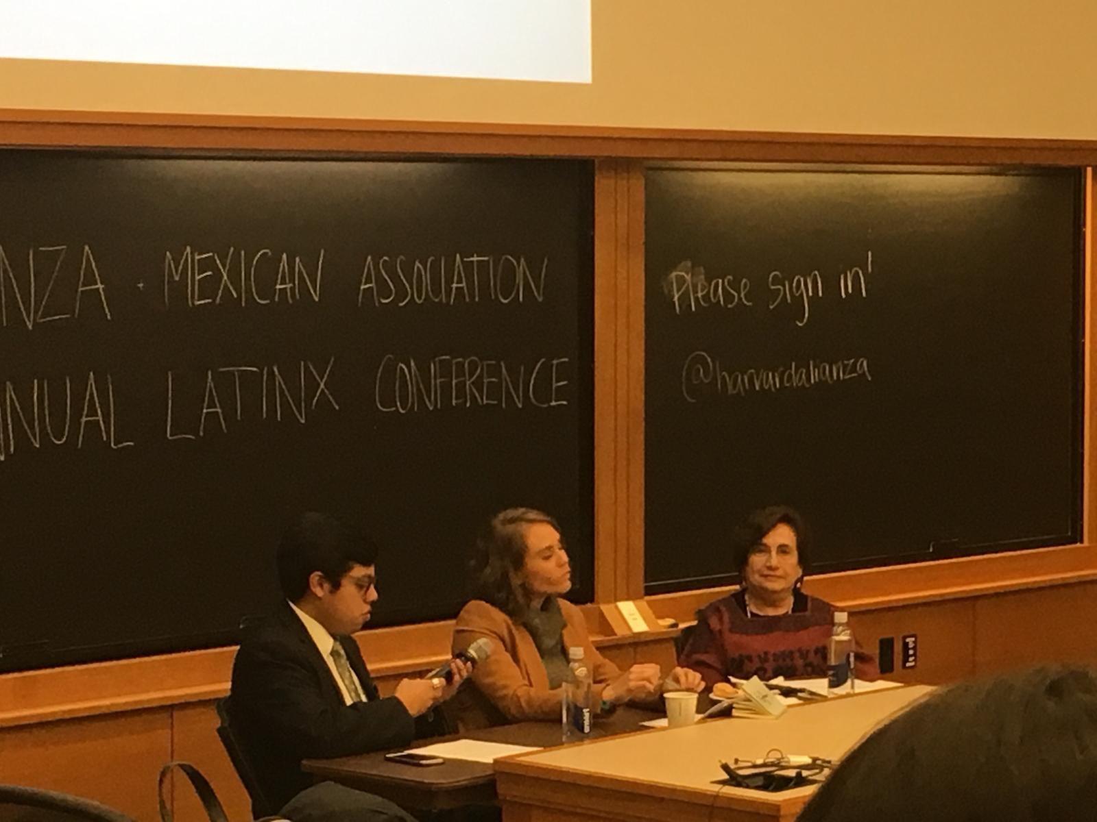 El mexicano que desnuda la identidad indígena en Harvard