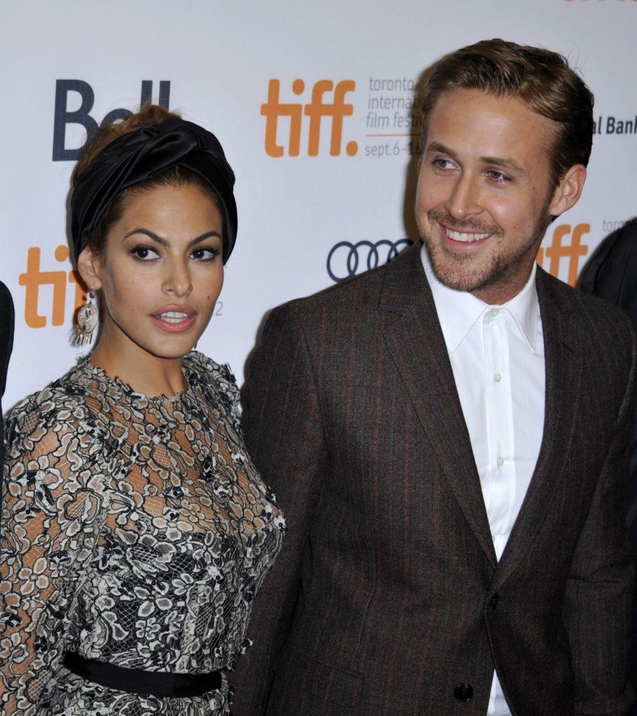 La actriz estadounidense Eva Mendes (i) y el actor canadiense y pareja desde 2011, Ryan Gosling. EFE/WARREN TODA