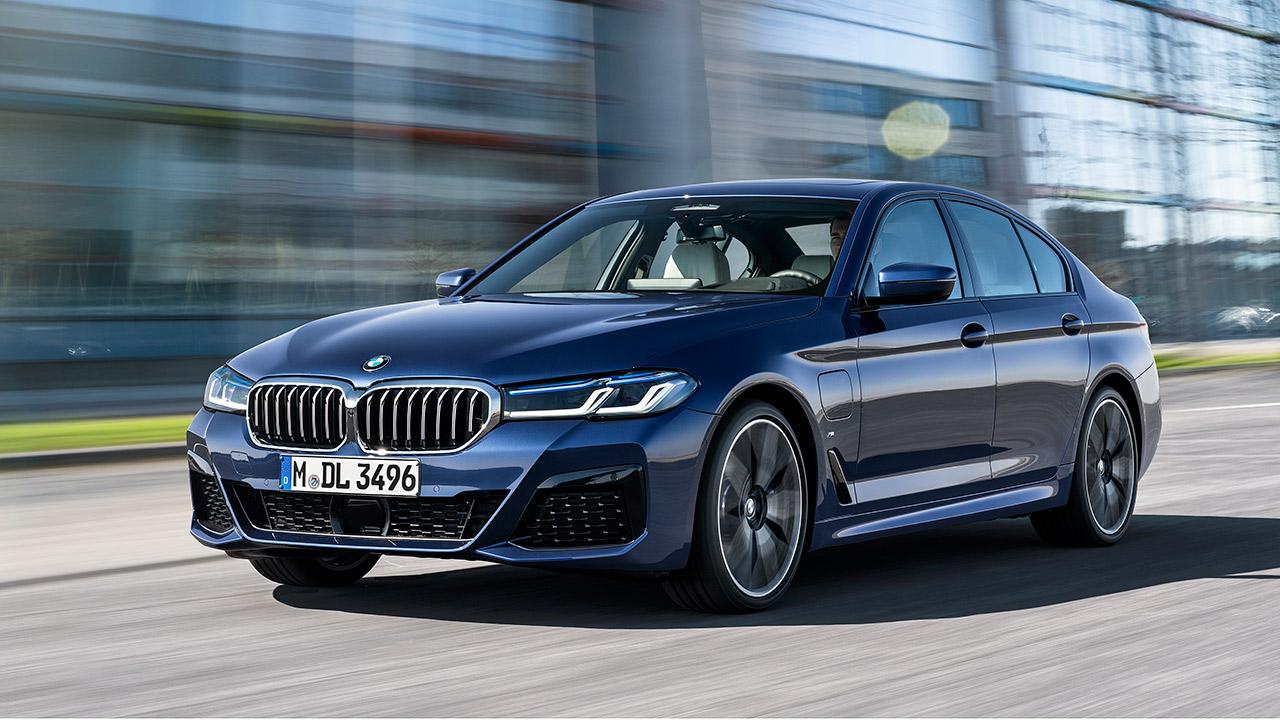BMW Serie 5 Sedán, el vehículo insignia entre conducción y movilidad inteligente
