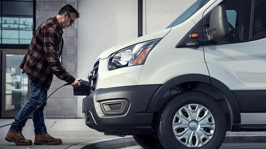 Ford presenta E-Transit, su primera van eléctrica