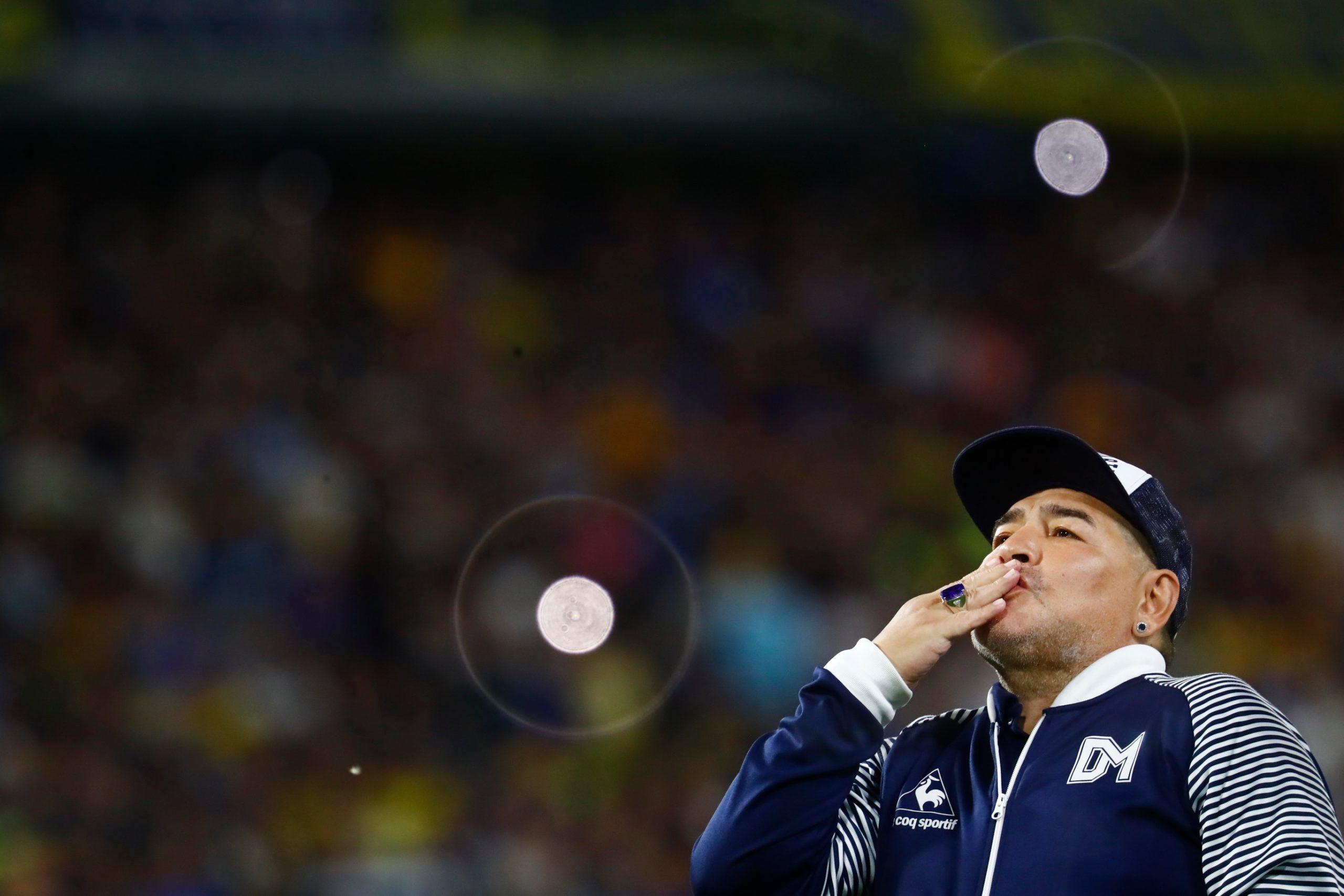 La comunidad del futbol da el último adiós a Maradona, un genio eterno